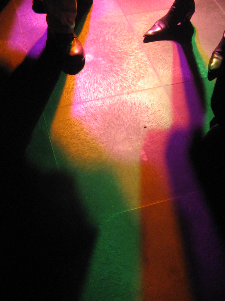 Colored shadows (3)