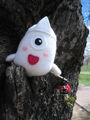 Obake, a japanese ghost (elewa) Tags: handmade ghost knit craft softie kawaii knitted obake creepycute