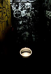 move forward to enter (cimba) Tags: door roma water bathroom toilet enter bagno cesso writings rialtosantambrogio centrisocialiromamor fotodelmese200608romamor