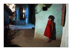 Moti bagh nights/meet Nancy.. (Evren Sahin) Tags: light bagh moti untouchables existing dalits