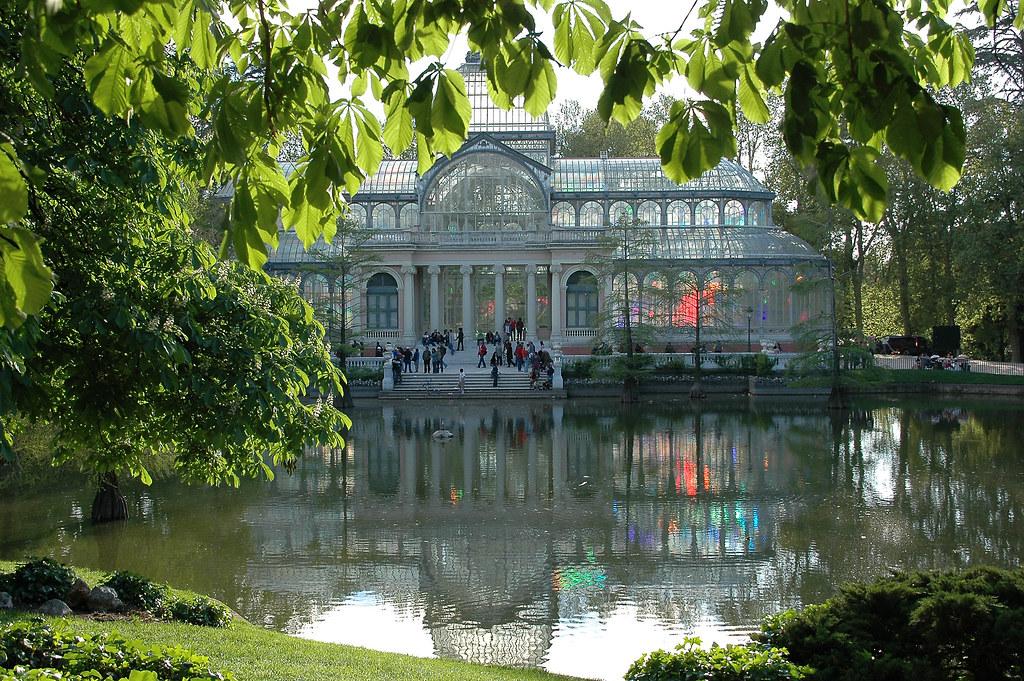 Photo de Madrid n°3. La Palais de cristal de Madrid au printemps