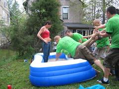 A Spectator in the Pool? Not Smart (joschmoblo) Tags: copyright canon allrightsreserved 2007 pigroast2006 elphe joschmoblo christinagnadinger