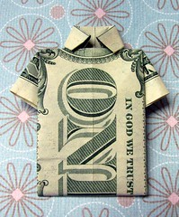 Origami dollar t-shirt (Vaguely Artistic) Tags: money canon paper origami craft tshirt dollar paperfolding vaguelyartistic powershots2is ingodwetrust