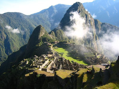 094 Day 6 - Macchu Picchu and clouds by discosour.