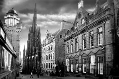 Royal Mile (gms) Tags: blackandwhite bw church manipulated wow scotland edinburgh steeple royalmile hdr cameraobscura thehub