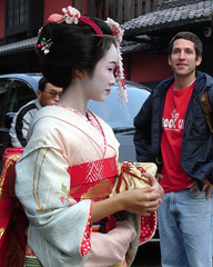 Happy Gaijin: Gion  (mboogiedown) Tags: maiko geisha hanamikoji ichiriki ichirikiya gion gaijin guy boy man girl woman japan japanese kyoto kansai kimono kanzashi beauty culture tradtion traditional cultural culturalexchange           astrollingion boyseesgirl asian travel asia mapjapan yokoso yokosojapan tradition topf25 discoverkyoto geiko chris brother family