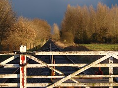 County School gates at Sunset (rcarpe2) Tags: gates railway levelcrossing disusedrailway mnr midnorfolk countyschool