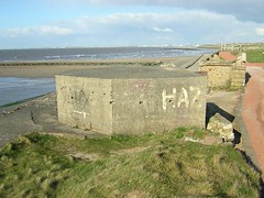 Leasowe pill box (Brian Sayle) Tags: england coast cheshire northwest britain ww2 peninsula defence morton worldwar2 wirral pillbox secondworldwar worldwartwo merseyside leasowe wirralpeninsula 4737carlin