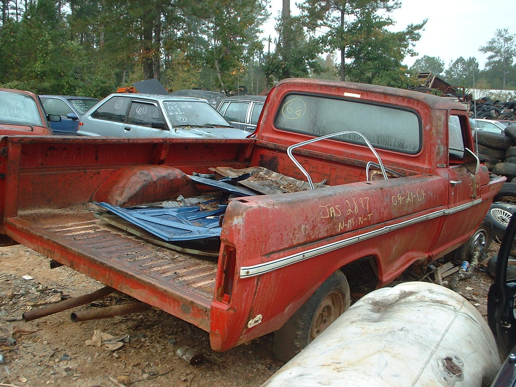The Worlds Best Photos Of 1969 And F100 Flickr Hive Mind Ford F 100 Custom Forwardlookguy Tags Trucks Junkyard
