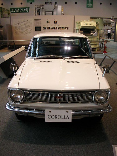 Фото старая Тойота королла