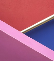 Way down (R. Motti) Tags: pink blue red abstract topv111 stairs shiny diagonal simplicity handrail paulo minimalism simple so projectinsight motti tomieohtake institutotomieohtake utataabstract ricardomotti