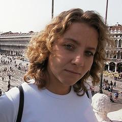 Betsy in Venice