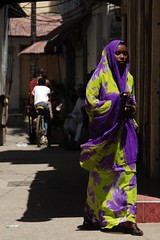 Zanzibar Woman (rbleib) Tags: africa street woman color contrast tanzania nikon women muslim islam hijab streetscene zanzibar stonetown d80 bluelist