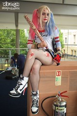 IMG_6625 (Neil Keogh Photography) Tags: blue red white black belt gun highheels boots cosplay top gloves bracelets dccomics pigtails spikes harleyquinn hotpants baseballbat suicidesquad mcmcomicconmanchester2015