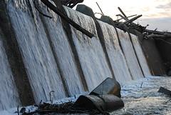 Ohio Falls (sniggie) Tags: clarksville ohiofalls artificial ohioriver waterfall river water flowingwater indiana kentucky louisville debris fallsoftheohiostatepark statepark