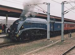 """British Railways Blue A4 'Kettle', 60007 """"Sir Nigel Gresley"""" (37190 """"Dalzell"""") Tags: br britishrailways blue lner londonnortheasternrailway gresley a4 60007 sirnigelgresley 4498 vintagetrains 1z58 1z59 railtour york"""
