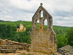 Fassade / Facade (schreibtnix on 'n off) Tags: reisen travelling europa europe frankreich france commarque burg castle ruine ruin himmel sky wolken clouds olympuse5 schreibtnix