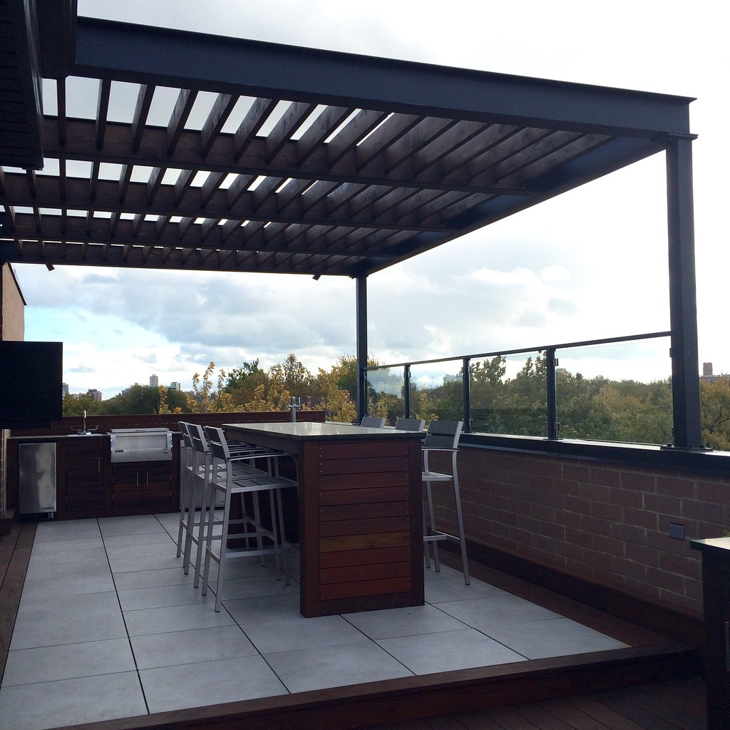 IMG_0395 (Chicago Roof Deck And Garden) Tags: Steel Pergola Porcelain Tile  Ipe Bar
