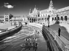 Plaza de España, Sevilla, Spain (Angel Talansky) Tags: sevilla andalucia spain seviglia seville turismo visit typical plaza plazadeespaña canal limpieza piazza spainsquare square