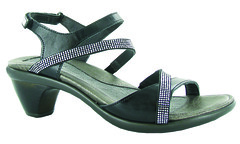 "Naot Innovate sandal black • <a style=""font-size:0.8em;"" href=""http://www.flickr.com/photos/65413117@N03/32544987241/"" target=""_blank"">View on Flickr</a>"