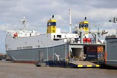 Cobelfret Ferries: VICTORINE Purfleet (emdjt42) Tags: riverthames roro purfleet portoflondon victorine cobelfretferries