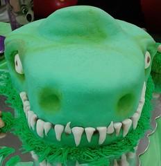Dinosaur cake by Lourdes, Camden County, NJ, www.birthdaycakes4free.com