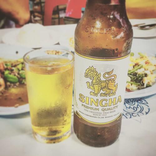 Singha time #drunk #beer #Singha #eat #withfren #trip #travel #HuaHin
