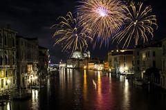 Felice Anno Nuovo - Happy New Year! (Explored) (Immacolata Giordano) Tags: venezia venice italia italy fuochidartificio spettacolopirotecnico fireworks nikond7000