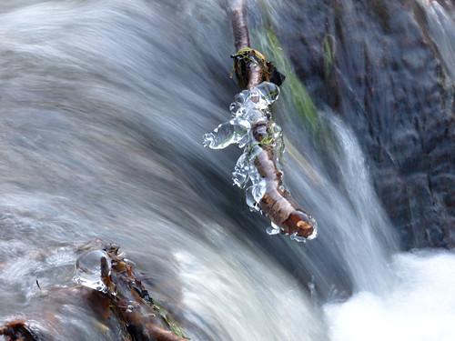 Zmrzlé kapky - frozen drops - river Divoká Orlice - POTŠTEJN