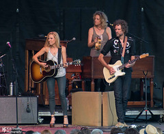 Sheryl Crow @ Chateau Ste. Michelle Winery (Kirk Stauffer) Tags: show seattle lighting portrait musician music woman usa brown playing cute girl beautiful beauty smile smiling rock lady female wonderful hair lights photo amazing concert nikon women perfect long pretty tour play singing guitar song feminine live stage gorgeous awesome country gig great goddess young band event wash precious sing singer blonde indie attractive stunning acoustic vocalist wa tall perform brunette lovely fabulous venue darling vocals kirk petite stauffer glamorous lovable d4