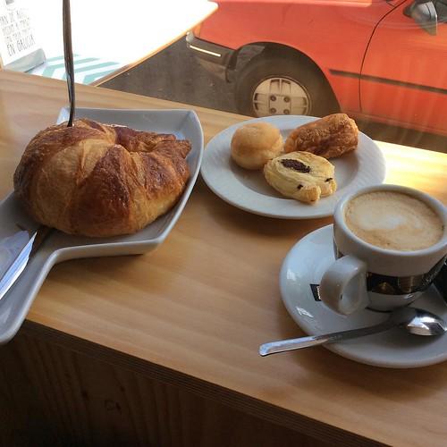 #FelizLunes La semana empieza con un #cafe y energía @DesayunaGalicia 😉@galifornia_gal #breakfast #colazione #petitdejeneur #fruhstuck #España #Espagne #food #Galicia #Galifornia #instacrew #igers #instamoment #instagramers #verano #Spain #Spagna #su