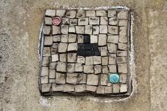 Jérôme Gulon_6120 quai de l'Hôtel de Ville Paris 04 (meuh1246) Tags: streetart paris jérômegulon quaidelhôteldeville paris04 mosaïque