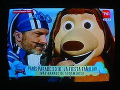 Paris Parade 2016 (hernánpatriciovegaberardi (1)) Tags: paris parade chile navidad 2016 cencosus parisparade parisparadechile parisparade2016 parisparadechile2016 tvn televisión nacional de cristián sánchez sportacus lazytown plaza italia