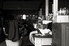 Beauty Shop (Photographs By Wade) Tags: okmulgee oklahoma beautyshop chairs seats business window closed