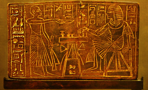 "Senet - Lujoso sistema de objetos lúdicos obsequio del dios Toht a la faraona Nefertari • <a style=""font-size:0.8em;"" href=""http://www.flickr.com/photos/30735181@N00/32481167836/"" target=""_blank"">View on Flickr</a>"