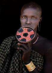 ethipia - omo valley (mauriziopeddis) Tags: africa ethiopia etiopia tribe tribù mursi omo valley river tribal disco labiale woman girl reportage canon leica sl color people etnia