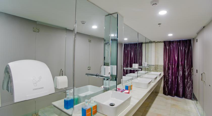 4Nhà vệ sinh ở đây cũng rất sạch sẽ, tiện nghi