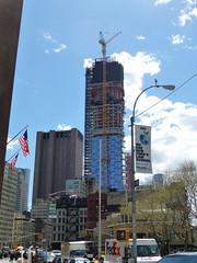 56 Leonard Street (skumroffe) Tags: nyc newyorkcity usa newyork building skyscraper construction unitedstates manhattan baustelle tribeca hirise liebherr leonardstreet towercrane baukran skyskrapa byggnad hghus lyftkran luffingjib turmdrehkran torenkraan turmkran gruatorre byggkran tornkran 56leonardstreet grueatour