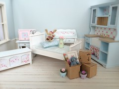 Moving day <3 (*Joyful Girl  Gypsy Heart *) Tags: miniatures furniture custom 112 shabbychic roombox latiwhite joyfulgirlgypsyheart lovejoybears