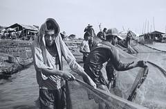 000035 (Change of Focus) Tags: leica playing water river children fun cambodia play fishermen 28mm f56 m3 mekong summaron