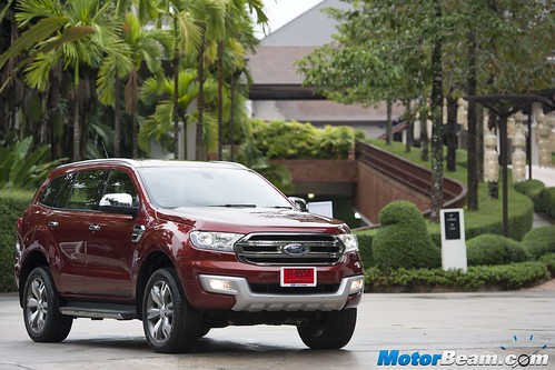 2015-Ford-Endeavour-04