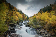 waterfall in alpes (erwann.martin) Tags: waterfall erwannmartin automn extérieur rock river landscape longue nikon nd nature colour