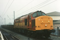 37667 at Warrington Bank Quay, 24/12/97 (chrisrowe37419) Tags: 37667 375 warringtonbankquay 241297 civilengineers grampus ews