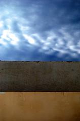 las líneas que cortan lo natural (Sili[k]) Tags: sky cloud lines clouds nikon geometry beta minimal cielo nubes minimalism minimalismo almería nube líneas affinity geometría nikonistas isletadelmoro d3000