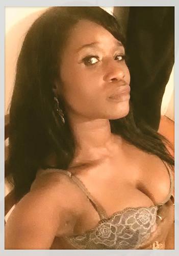 Queen Sabine peek a boo lingerie shoot