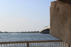 Cross Bay Bridge (Robinson Baez) Tags: summer bridges blueskies howardbeach rockawaybeach newyorkbeach crossbayveteransmemorialbridge beachchannelhighschool