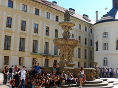 Kohl's Fountain, 2016 Aug 27 (Dunnock_D) Tags: czechia czechrepublic prague blue sky castle praguecastle courtyard druhénádvoří pražskéhohradu kohlovakašna kohl fountain malástrana lessertown