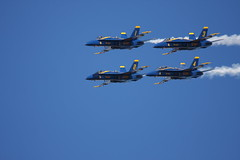 15-07-19 - 40D-A 100-400L_1150 (BrandyVSOP) Tags: show blue oregon plane canon flying fighter force or air jets navy jet airshow angels planes l fighters blueangels stunts hilsboro 100400 40d canon40d brandyvsop hillsborrooregon hillsborointernationalairshow 100400l56