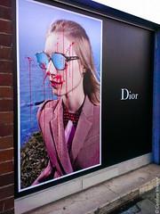 J'adore (Caroline Vincelet) Tags: dior jadore publicité advertisement lunettes glasses sang blood peinture paint rouge red vandal vandale vandalisme anticonsumérisme meurtre