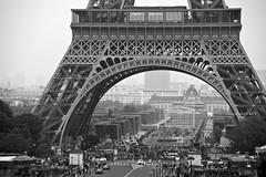 Tour Eiffel - B&W copyright (CAUT) Tags: paris francia parís france caut nikond610 nikon d610 2016 travel viajar tour eiffel toureiffel eiffeltower torre tower